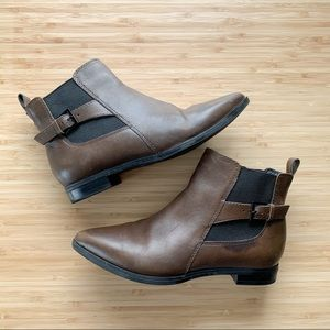 Clarks | Brown Ankle Boots